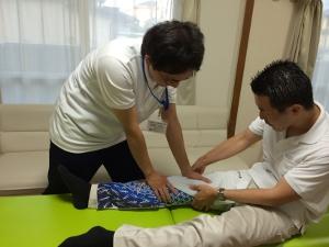 小田原営業所-施術練習風景2